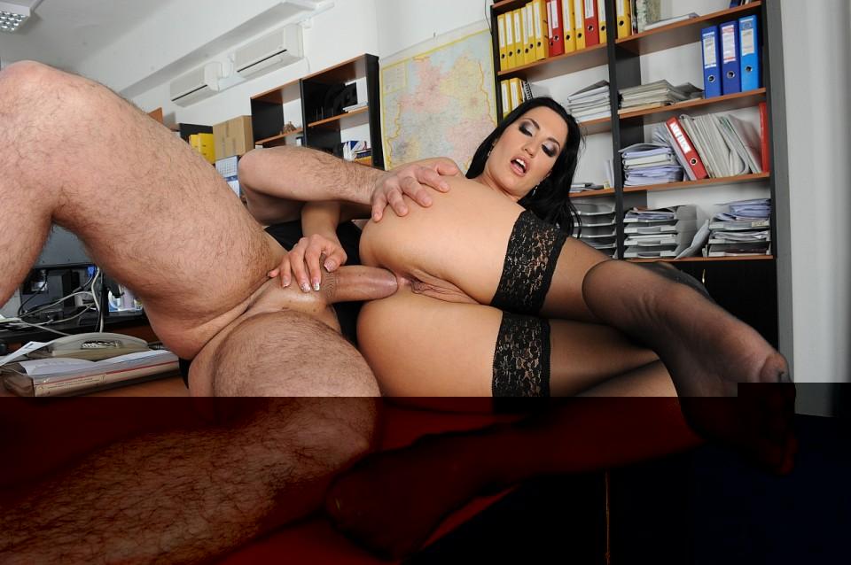 Порно в офисе чулках онлайн